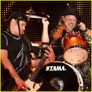 Metallica Rocks Out The Night Before Super Bowl 50!