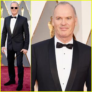 Michael Keaton Gets 'Spotlight' At Oscars 2016!