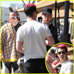 Nick Jonas Catches Up With Brother Joe Before Pre-Oscar Dinner