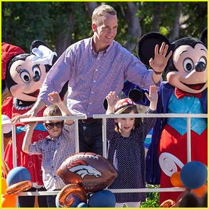 Peyton Manning & His Kids Ride Float at Disneyland Super Bowl 2016 Celebration Parade!