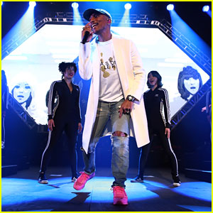 Pharrell Williams Performs at Pepsi NFL Rookie of the Year Award Ceremony