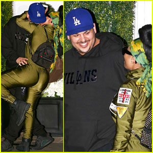 Rob Kardashian & Blac Chyna Flaunt Tons of PDA in New Pics!