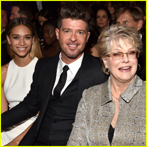 Robin Thicke Took Some Special Ladies to the Grammys 2016