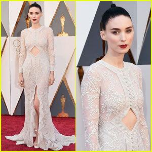 Rooney Mara Wears Long Sleeved Gown at Oscars 2016!