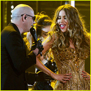 Sofia Vergara Dances for Pitbull During Grammys Performance 2016 (Video)