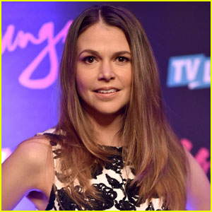 Sutton Foster Joins 'Gilmore Girls' Revival in Unknown Role