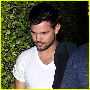 Pictures Of Taylor Lautner taylor lautner reveals his 'favorite city ...