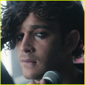 The 1975 Debut New Music Video For 'The Sound' - Watch Now!