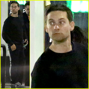 Tobey Maguire Has A Rare Boys Night Out with Pals