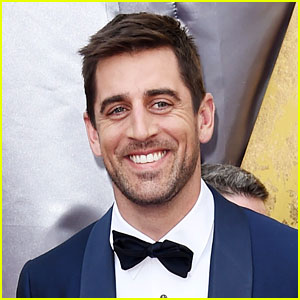 Aaron Rodgers Claims He Saw a UFO Over Ten Years Ago