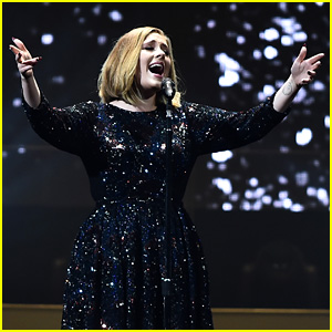Adele Helps a Woman Propose to Boyfriend at '25 World Tour' Opening Night - Watch Now!