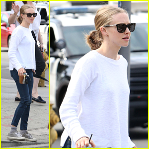 Amanda Seyfried 'Takes a Break' to Knit With Her Dog Finn