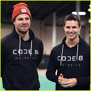 Arrow's Stephen Amell & Cousin Robbie Making First Feature Film Together - Watch Now!
