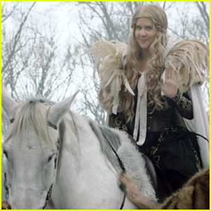Amy Schumer Knows the Fate of Game of Thrones' Jon Snow - Watch Now!