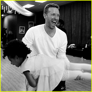 Beyonce Shares Adorable Photos of Blue Ivy & Chris Martin!