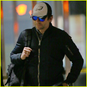 Bradley Cooper Lands Solo Back in New York City