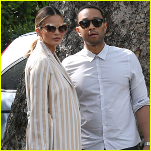 Chrissy Teigen Shows Some Love for Beyonce!