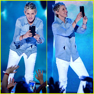 Ellen DeGeneres Snapchats with Kids Choice Awards 2016 Audience!