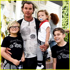 Gavin Rossdale Brings His Three Sons to Easter Egg Hunt