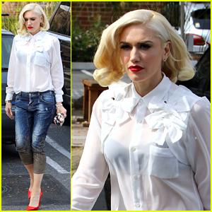 Gwen Stefani Asks Fans For Help Figuring Out Snapchat