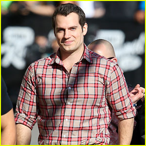 Henry Cavill Reads Fan Message Boards All the Time!
