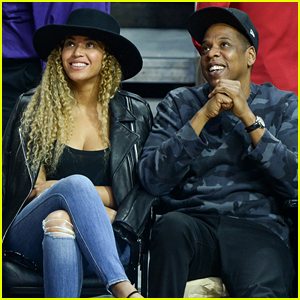 Beyonce & Jay Z Snack on Chips Courtside at the Clippers Game