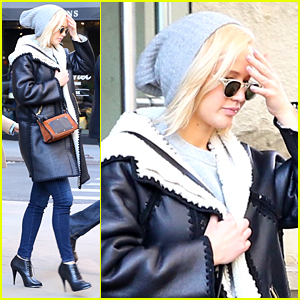 Jennifer Lawrence Takes Stylish Step Out for Sushi