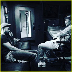 Justin Timberlake Is Working on Music with Pharrell Williams!