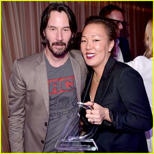 Keanu Reeves Honors His Stylist Jeanne Yang at Daily Front Row Awards 2016!