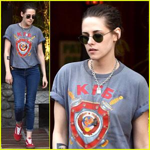 Kristen Stewart Grabs Lunch with Her Team in Hollywood