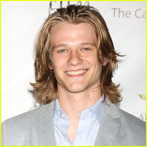 X-Men's Lucas Till Lands Leading Role in 'MacGyver' Pilot!