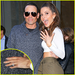 Maria Menounos Shows Off Her Engagement Ring Details Keven