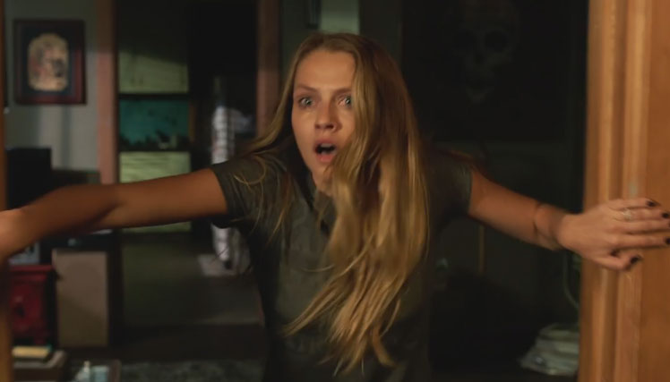 Teresa Palmer Is Haunted In Scary Lights Out Trailer Alexander Dipersia Billy Burke