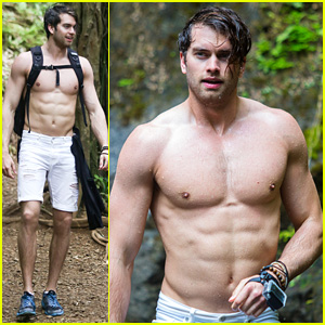 The Bold and the Beautiful's Pierson Fode Shows His Ripped Shirtless Body in Hawaii!