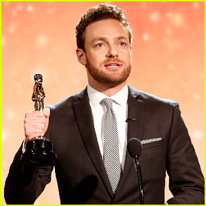Walking Dead's Ross Marquand Does Unbelievable Celebrity Impressions - Watch Now!