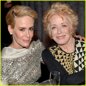 Sarah Paulson Opens Up About Girlfriend Holland Taylor: 'I Am in Love'