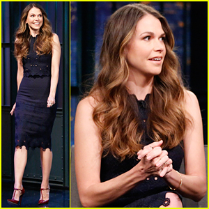 Sutton Foster Says 'Gilmore Girls' Revival Role Is 'A Dream Come True'!