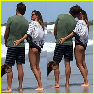 Gisele Bundchen & Tom Brady Kiss on the Beach!