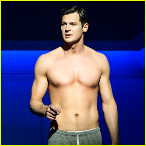 Benjamin Walker Goes Shirtless in Hot New 'American Psycho' on Broadway Photos!