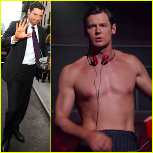 Benjamin Walker Goes Shirtless for 'American Psycho' Performance on 'Colbert' - Watch Now!