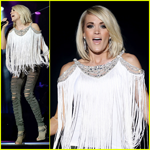 Carrie Underwood Posts Bikini Selfie to Launch Swimwear Line