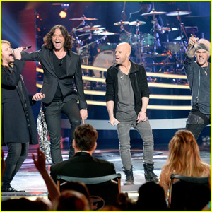 Chris Daughtry & 'American Idol' Rockers Take the Stage at Finale