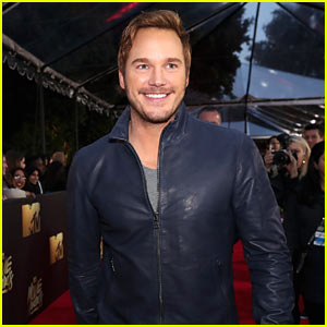 Chris Pratt Wins Best Action Performance at MTV Movie Awards 2016!