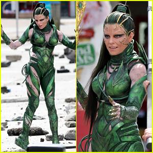 Elizabeth Banks Does 'Power Rangers' Stunt Work as Rita Repulsa