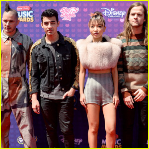 Joe Jonas & DNCE Arrive at the 2016 RDMA