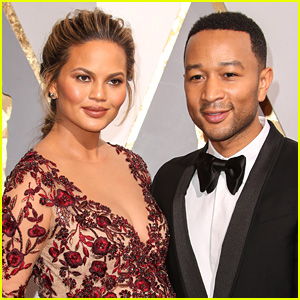 John Legend & Chrissy Teigen Share Adorable New Photo of Daughter Luna!