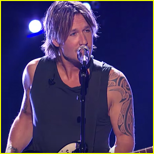 Keith Urban Performs 'Wasted Time' On 'American Idol' Top 3 Show - Watch Here!