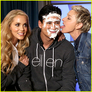 Mario Lopez Reunites with Elizabeth Berkley to Play Pie Face!