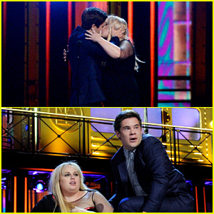 Rebel Wilson & Adam DeVine Win Best Kiss at MTV Movie Awards 2016, Make-Out on Stage (Video)