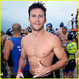 Scott Eastwood Shows Off Hot Shirtless Body at Miami Triathlon